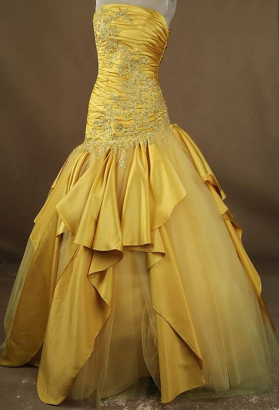 734e05caf6a plesové šaty zlaté na maturitní ples Yvettey. naše modely » plesové  autorské » a na objednání · plesové šaty » p na objednání » princeznovské